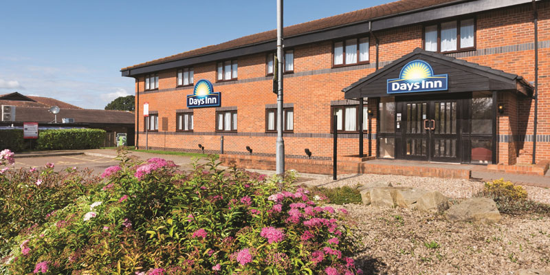 days inn warwick south exterior