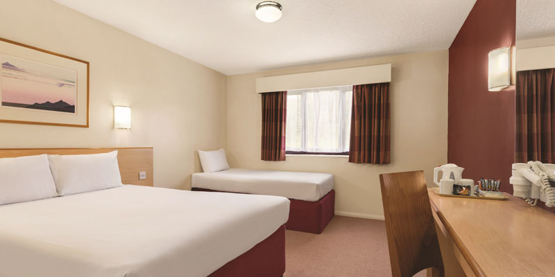 days inn warwick south room 1