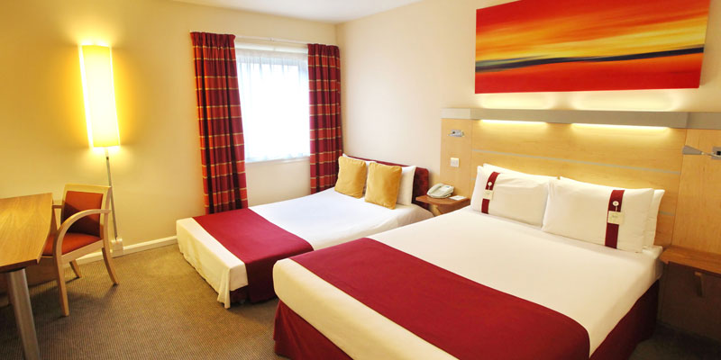 holiday inn express redditch family room