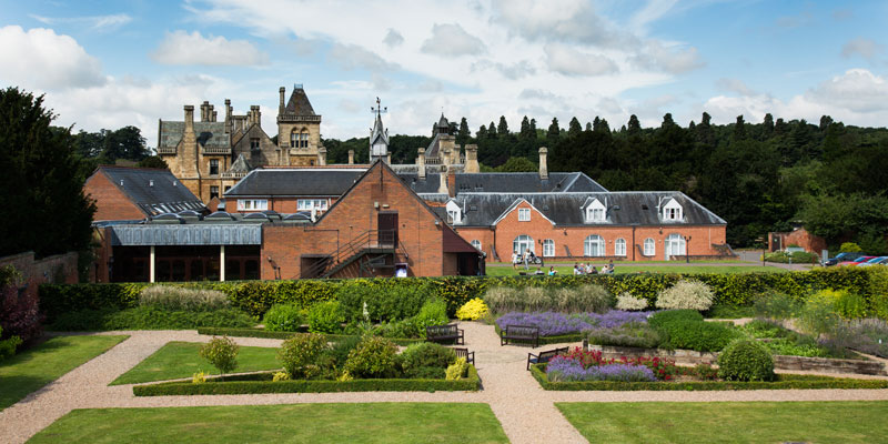 mecure walton hall hotel and spa outside